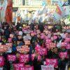 韓国の朴槿恵大統領退陣を求めるデモ、屋台も登場して酒盛りなど行われるwwwww